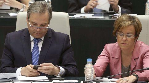 La charla con Pineda agrieta las aspiraciones de Carmona en el PSOE