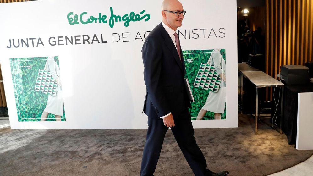 Foto: El presidente de El Corte Inglés, Nuño de la Rosa, a su llegada a una junta general de accionistas. (EFE)