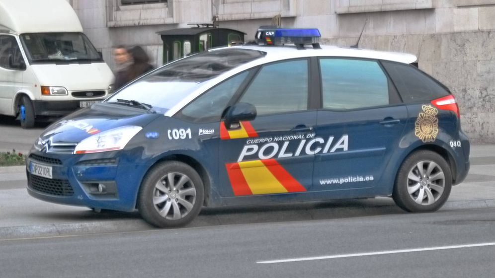 Foto: Coche de la Policía Nacional (iStock)