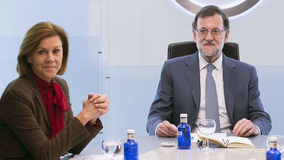 Foto: María Dolores de Cospedal y Mariano Rajoy en la reunión del comité de dirección del Partido Popular. (EFE)