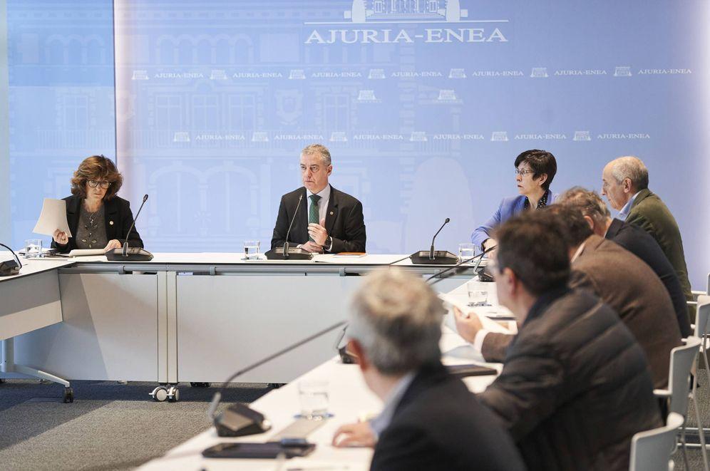 Foto: Urkullu preside la reunión del comité asesor en torno al coronavirus este sábado. (Irekia))