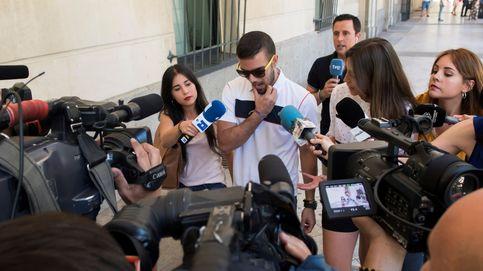 Así se llevó las gafas de un comercio Boza, uno de los condenados de La Manada