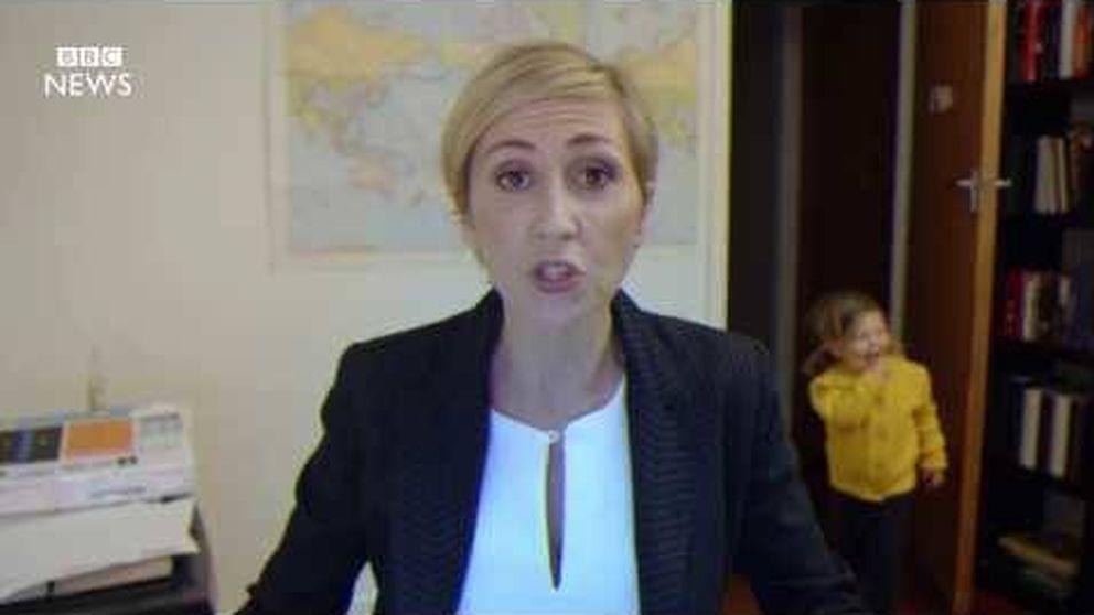 Así sería el vídeo viral de la entrevista en la BBC... con una mujer