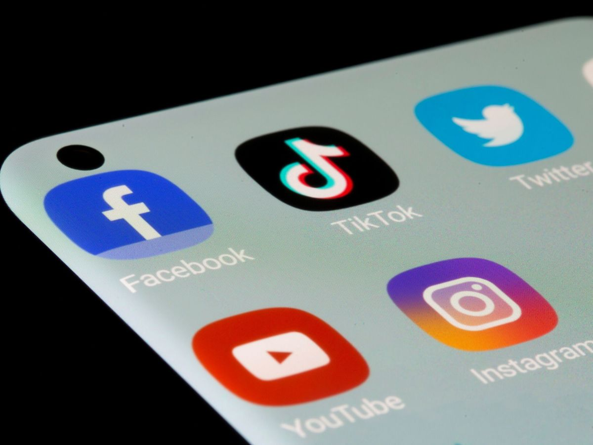 Foto: TikTok adelanta a las apps del grupo Facebook como la más descargada del mundo (Reuters/Dado Ruvic)
