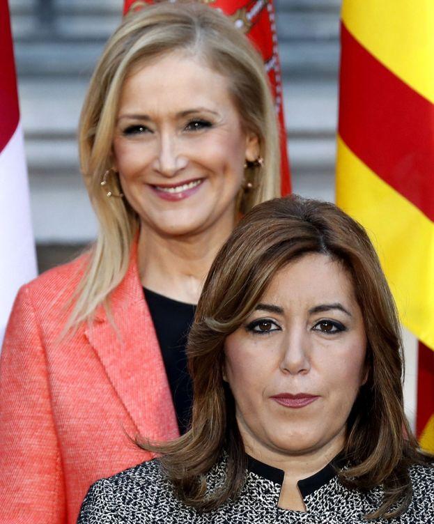 Foto: La presidenta de la Junta de Andalucía, Susana Díaz (abajo), y la presidenta de la Comunidad de Madrid, Cristina Cifuentes. (EFE)