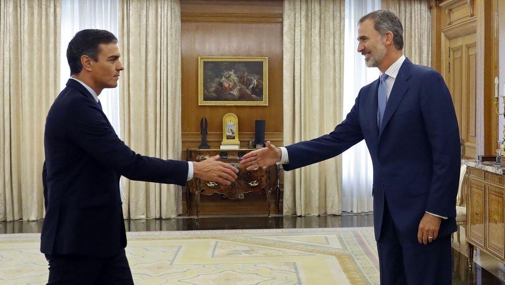 Foto: El rey Felipe VI recibe en audiencia a Pedro Sánchez, este 17 de septiembre en la Zarzuela. (EFE)