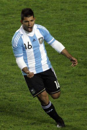 Agüero salva a Argentina del primer fracaso materializando el empate frente a Bolivia