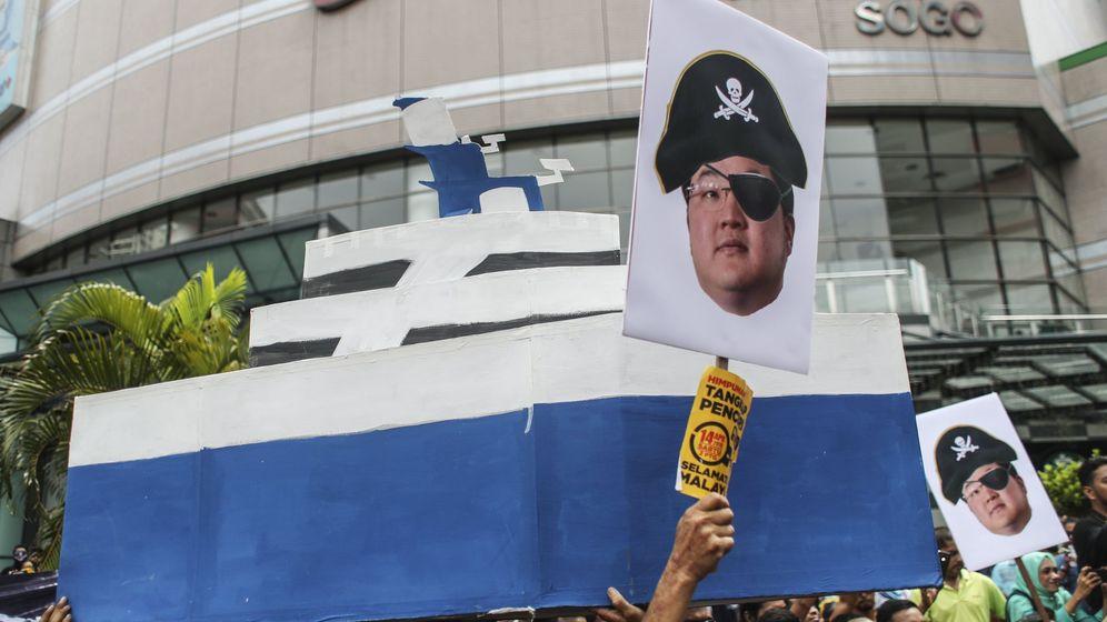 Foto: Manifestación en Kuala Lumpur contra el 'pirata' Low. (EFE)