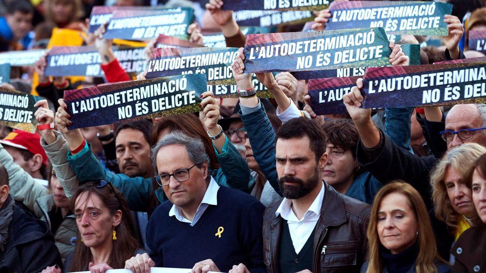Foto: Quim Torra y Roger Torrent en la manifestación del pasado sábado en Madrid. (EFE)