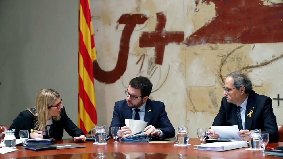 Foto: El presidente de la Generalitat, Quim Torra, su vicepresidente, Pere Aragonés (c), y la consellera de Presidencia y portavoz, Elsa Artadi (i). Foto: EFE