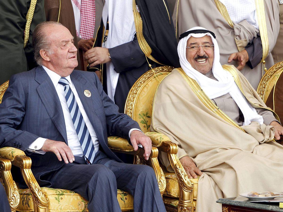 Foto: El rey Juan Carlos, junto al emir de Kuwait. (EFE)