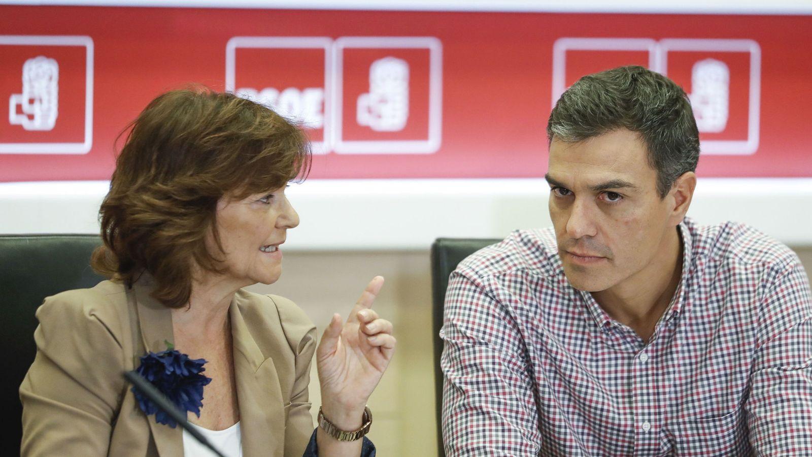 Foto: Carmen Calvo y el secretario general, Pedro Sánchez, este 25 de septiembre en Ferraz. (EFE)