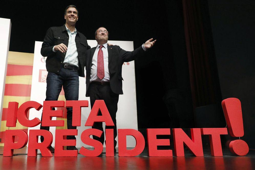 Foto: Pedro Sánchez y Miquel Iceta, durante su mitin en Lleida, este 10 de diciembre. (EFE)