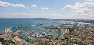 Post de Inmovilizado en Alicante un buque danés con un brote de covid y un ingresado