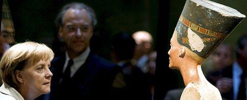 Nefertiti, reina absoluta de Berlín con permiso de su vecina Merkel