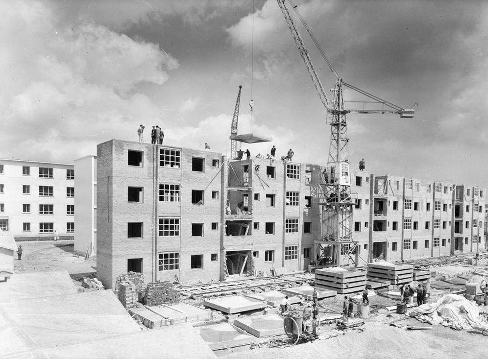 Foto: Obras en Carabanchel en 1957. (Juan Miguel Pando Barrero/Fototeca Nacional)