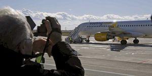 Pilotos de Iberia amenazan con una 'huelga de celo' por las cesiones a las low cost
