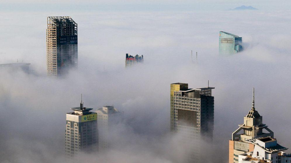 Foto: Edificios en medio de la niebla en Qingdao, China (Reuters)