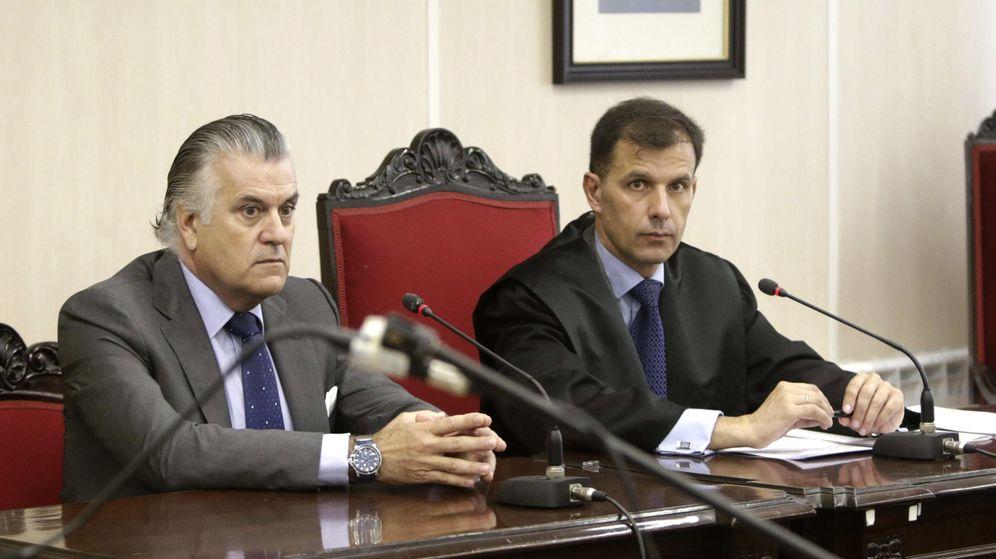 Foto: Luis Bárcenas (i), extesorero del PP. (EFE)