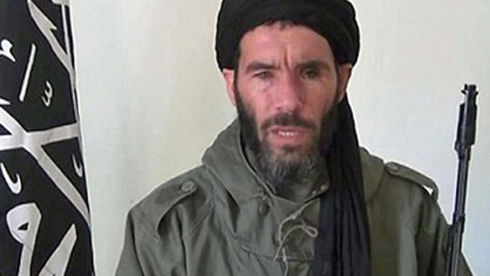Foto: Foto sin fecha del yihadista Mokhtar Belmokhtar, difundida por el FBI. (Efe)