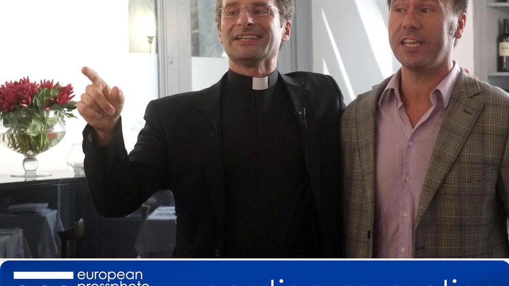 El Vaticano expulsa a un sacerdote tras declarse gay y confesar que tiene novio