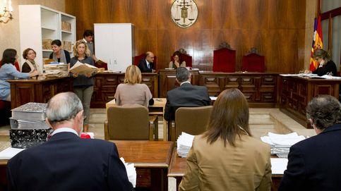 Baleares quita el lazo amarillo del Parlament tras la petición de la Junta Electoral