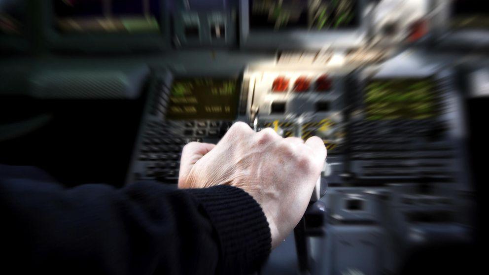 Esto es lo que debes hacer si muere el piloto de tu avión y vas a estrellarte