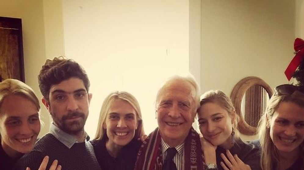Foto: Carlo Borromeo junto a sus hijos