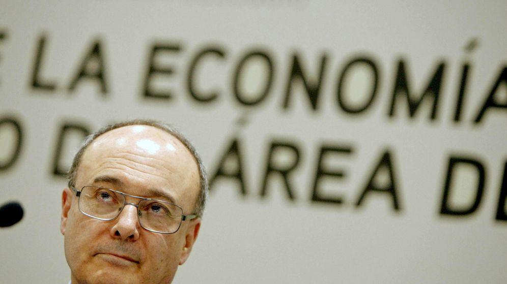 Foto: Luis María Linde, gobernador del Banco de España, durante una conferencia. (EFE)