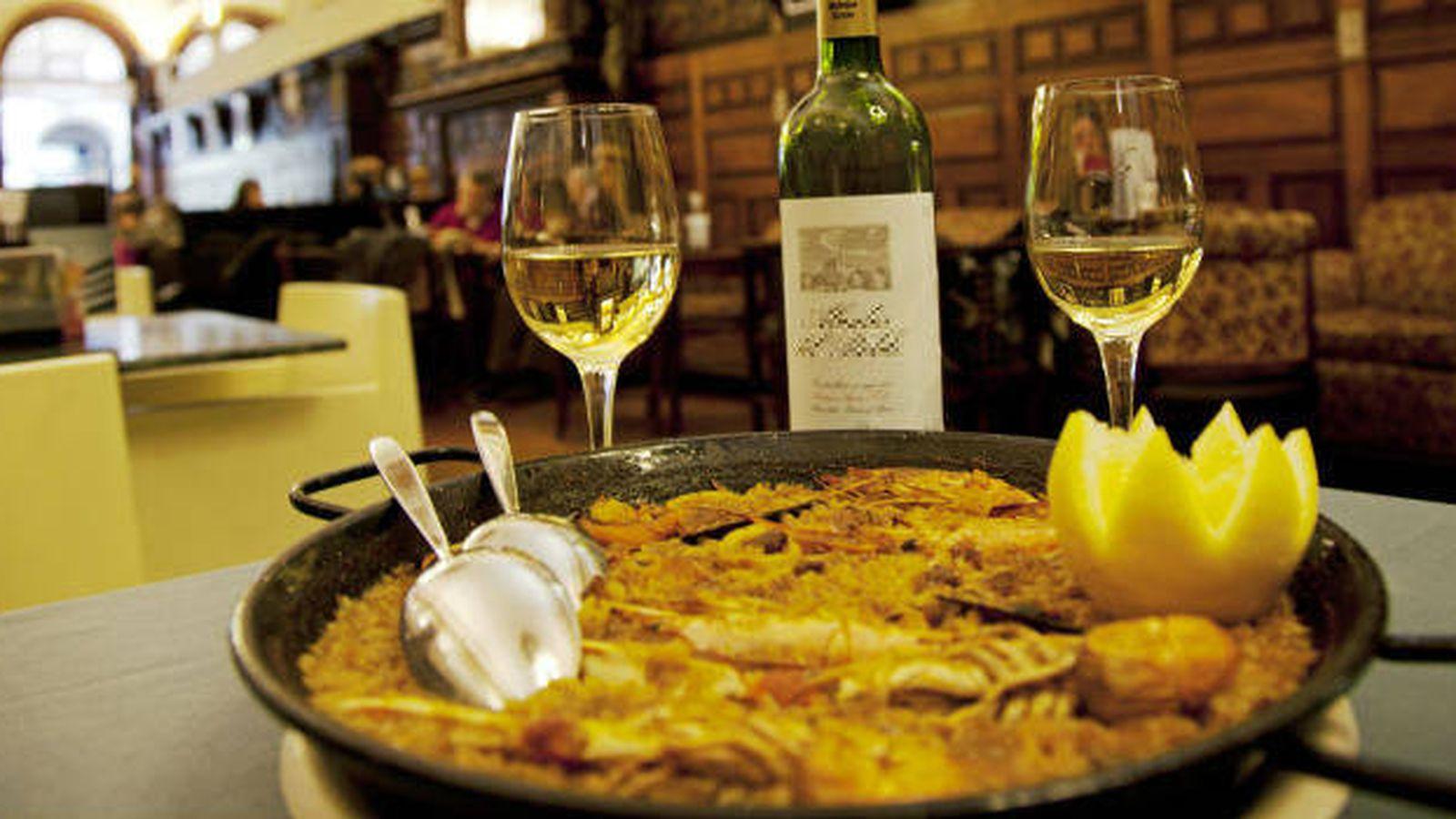 Foto: Si visitas la Comunidad Valenciana, no dejes de probar sus afamadas paellas (Corbis)