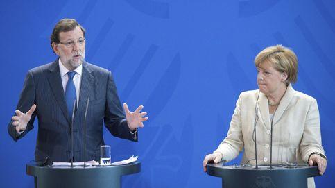 Economía y Cataluña: Merkel respalda al 'candidato' Rajoy en clave electoral