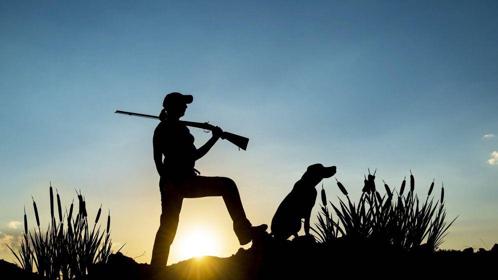 Foto: Una cazadora al amanecer. (Foto: Facebook.com/ONCcaza)