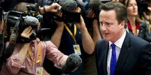 Reino Unido podría cerrar sus fronteras a los griegos y otros europeos en crisis