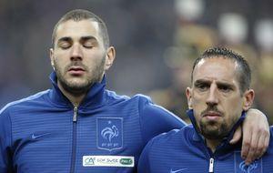 Benzema y Ribéry, absueltos de acusación de recurrir a una prostituta menor