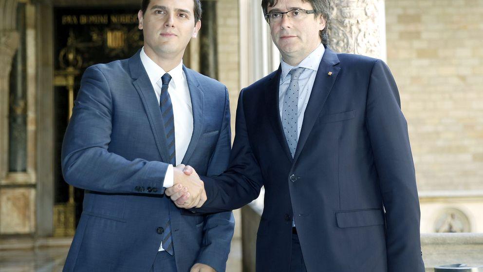Rivera intenta convencer a Puigdemont, que se vuelve a reafirmar en su 'procés'