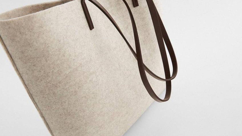 Bolso barato y personalizable de Zara. (Cortesía)