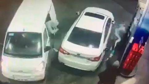 Intentan robarle en una gasolinera y se defiende de una manera increíble