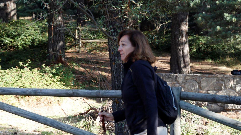 Dolores Fernández Ochoa, hermana de la desaparecida, antes del inicio de las labores de búsqueda. (EFE)