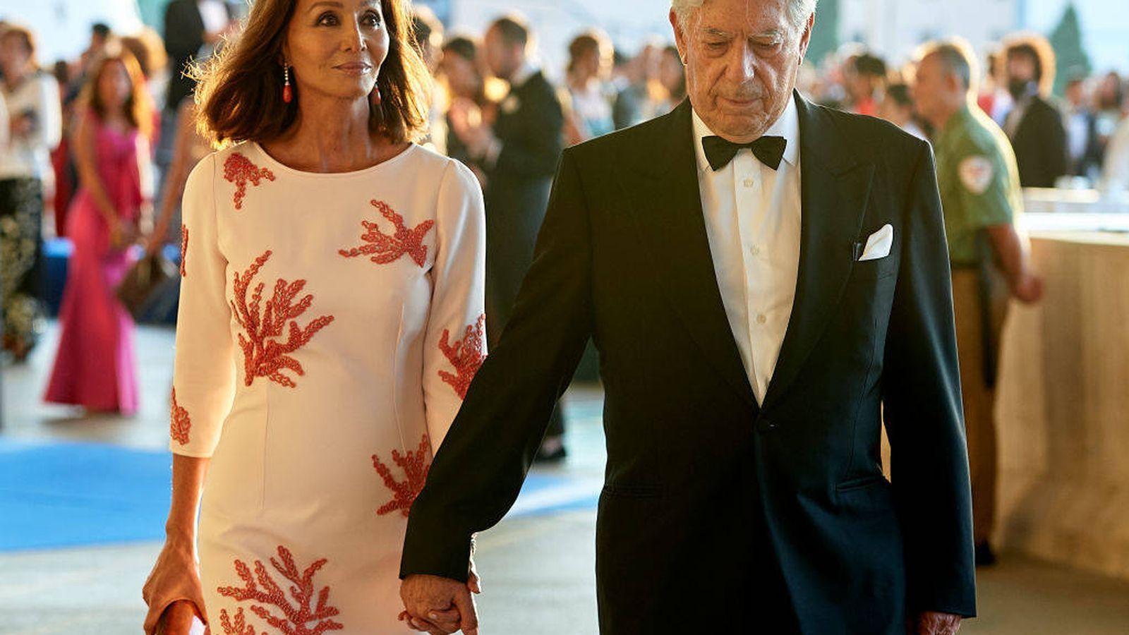Foto: Isabel Preysler y Mario Vargas Llosa, en una entrega de premios. (Getty)