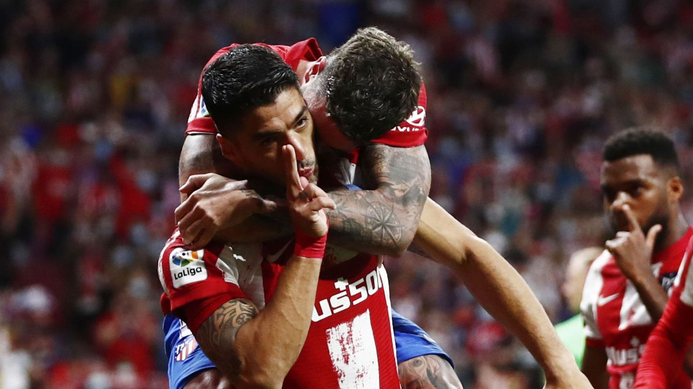 Luis Suárez celebra el segundo gol. (Reuters)