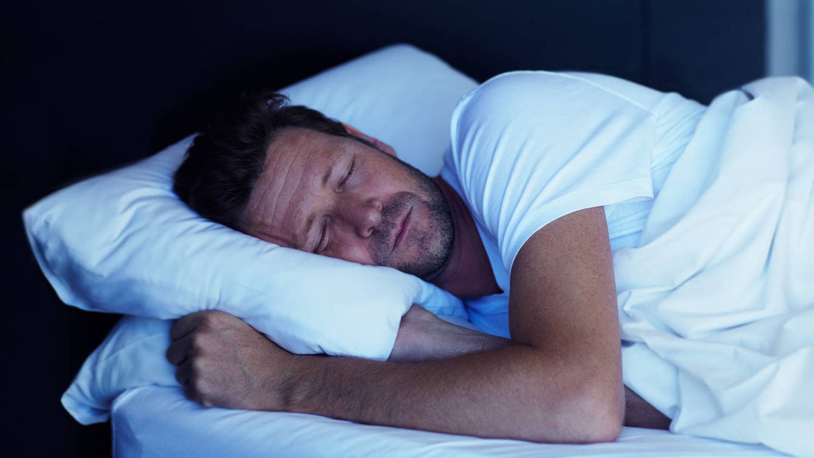 Foto: ¿Quieres dormir bien? (iStock)
