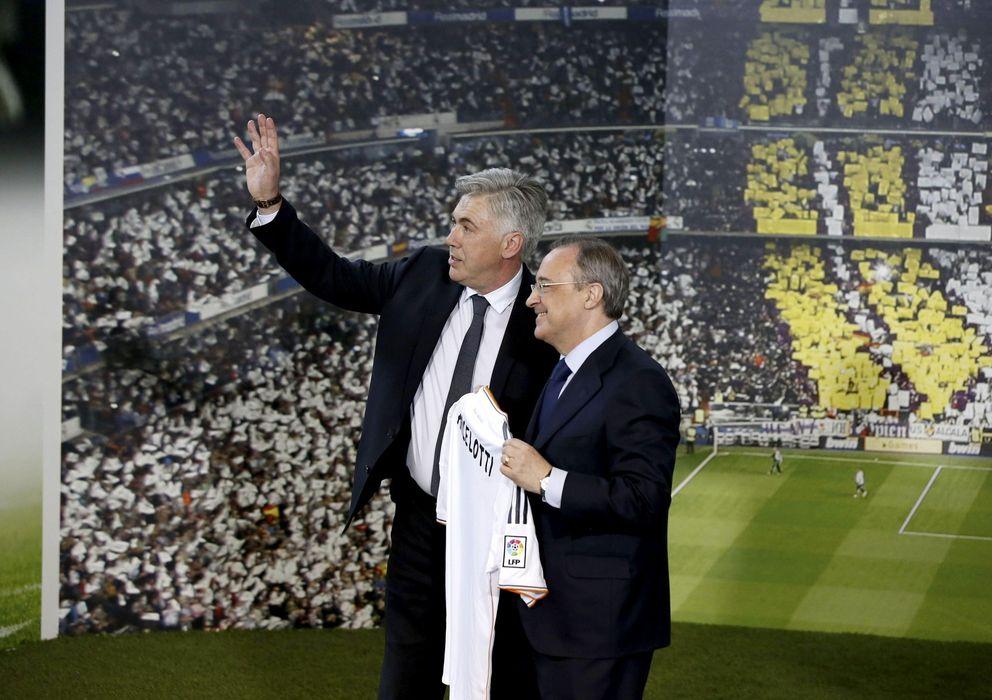 Foto: Ancelotti y Florentino Pérez, durante la presentación del técnico italiano (EFE)