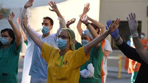Cinco médicos contagiados en un hospital de Madrid en la despedida de un compañero