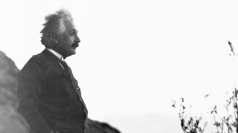 Foto: Albert Einstein en el desierto de Palm Springs, en 1930. (Corbis)