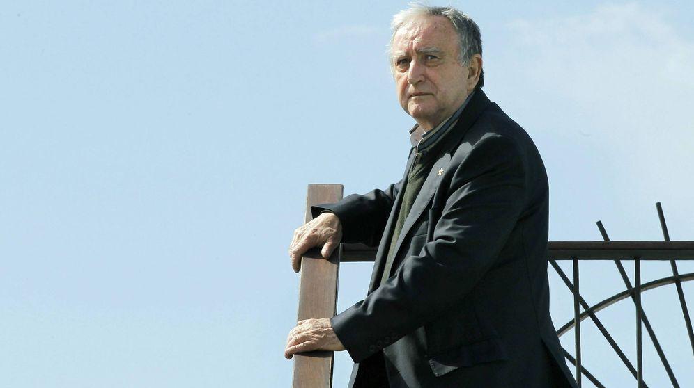 Foto: El escritor valenciano Rafael Chirbes, durante la presentación de 'En la orilla', en 2013. (EFE)