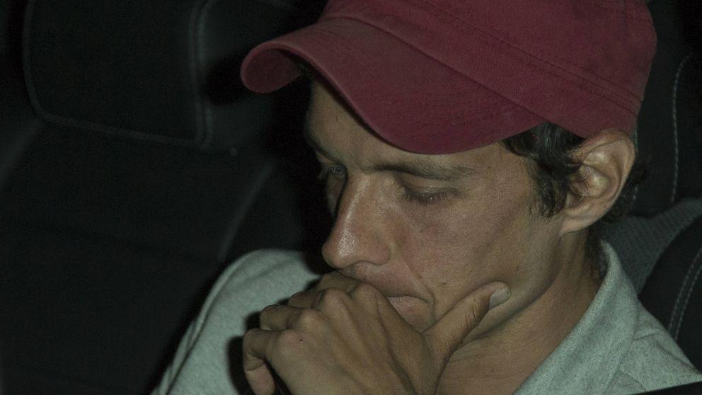El hijo de Camilo Sesto, destrozado en el último adiós a su padre