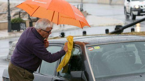 Las multas que te pueden poner (y no sabías) conduciendo tu coche con lluvia