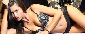 La modelo Adriana Lima espera su segundo hijo