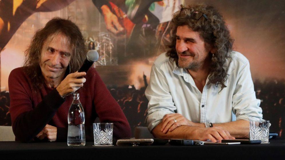 Foto:  Los líderes de Extremoduro, Robe Iniesta (i) e Iñaki Antón, en diciembre (EFE)