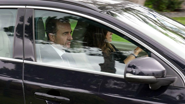María Palacios y Alessandro Lequio, saliendo de casa de Ana Obregón en La Moraleja. (Cordon Press)